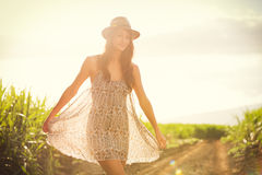 Retrato bonito de uma menina feliz despreocupada Foto de Stock Royalty Free