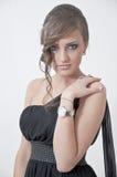 Retrato bonito de uma menina no vestido do baile de finalistas imagem de stock