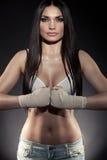 Retrato bonito do pugilista da mulher foto de stock royalty free