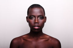 Retrato britânico americano do modelo de forma do africano negro Imagem de Stock