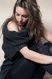 Retrato cambiante de la muchacha triguena joven hermosa. Foto de archivo libre de regalías