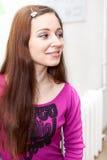 Retrato caucásico sonriente de la mujer, perfil Fotos de archivo