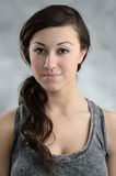 Retrato caucasiano novo bonito da mulher Fotografia de Stock Royalty Free