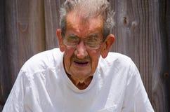 Retrato centenario de 100 años del hombre mayor Imagen de archivo libre de regalías