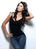 Retrato cheio da mulher com cabelo longo da beleza Imagem de Stock Royalty Free