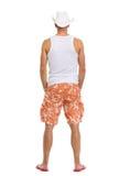Retrato cheio do comprimento no homem das férias nos shorts Fotografia de Stock Royalty Free