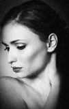 Retrato clásico de la mujer Foto de archivo libre de regalías