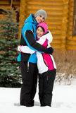 Retrato completo de abraçar pares Fotografia de Stock