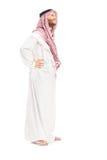 Retrato completo do comprimento de uma posição árabe masculina da pessoa Fotografia de Stock Royalty Free