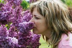 Retrato con la lila Foto de archivo libre de regalías