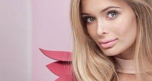 Retrato da beleza da mulher natural loura fotos de stock royalty free