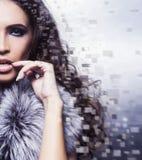 Retrato da beleza de uma mulher nova e lindo imagem de stock royalty free