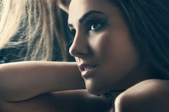 Retrato da beleza de uma mulher sensual Fotografia de Stock
