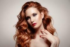 Retrato da beleza hairstyle Fotografia de Stock Royalty Free