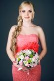 Retrato da dama de honra loura de cabelos compridos lindo foto de stock royalty free