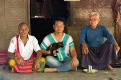 Retrato da família do tribo de Karen em Myanmar Fotografia de Stock