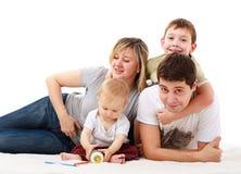 Retrato da família feliz fotografia de stock royalty free