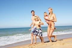 Retrato da família no feriado da praia do verão Imagem de Stock Royalty Free