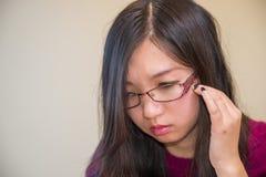 Retrato da jovem mulher Imagem de Stock
