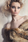 Retrato da jovem mulher bonita Fotos de Stock Royalty Free