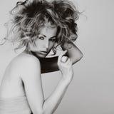 Retrato da jovem mulher caucasiano com cabelo louro, olho bonito imagens de stock