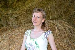 Retrato da jovem mulher em uma sega fotografia de stock royalty free