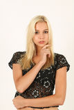 Retrato da jovem mulher loura calma Fotografia de Stock Royalty Free