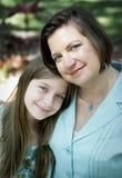 Retrato da matriz & da filha foto de stock