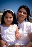 Retrato da matriz e da filha latino-americanos Foto de Stock Royalty Free