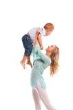 Retrato da matriz feliz com filho alegre Fotos de Stock Royalty Free