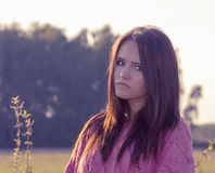 Retrato da menina adolescente fora Fotografia de Stock Royalty Free