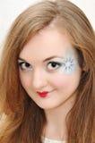 Retrato da menina agradável com bordos pintados Imagem de Stock