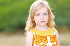 Retrato da menina ao ar livre Fotografia de Stock