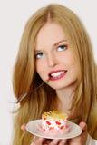 Retrato da menina bonita com bolo fotos de stock