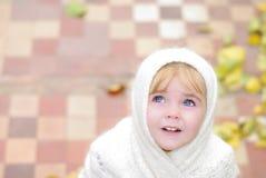 Retrato da menina bonita pequena Fotos de Stock Royalty Free