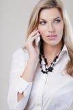 Retrato da menina com telefone Imagem de Stock Royalty Free