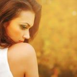 Retrato da menina da luz do sol da beleza. Foto de Stock Royalty Free