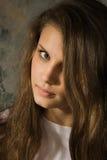 Retrato da menina do adolescente do beautifu Fotografia de Stock Royalty Free
