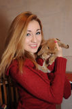 Retrato da menina e do coelho Fotografia de Stock