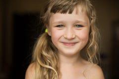 Retrato da menina feliz bonita Imagem de Stock Royalty Free