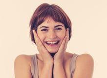 Retrato da mulher alegre atrativa nova com a cara feliz de sorriso Expressões e emoções humanas foto de stock royalty free
