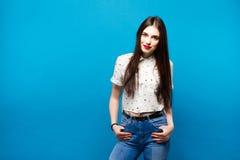 Retrato da mulher asiática do cabelo longo com camisa branca Estilo do vintage Foto de Stock Royalty Free