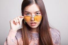 Retrato da mulher asiática nova bonita Fotos de Stock