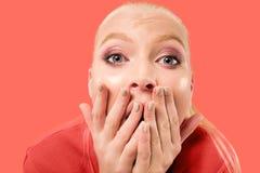 Retrato da mulher assustado no coral fotografia de stock royalty free