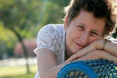 Retrato da mulher 65 bonita ano-velha Foto de Stock Royalty Free