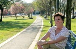 Retrato da mulher 65 bonita ano-velha Imagens de Stock Royalty Free
