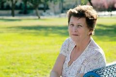 Retrato da mulher 65 bonita ano-velha Fotografia de Stock