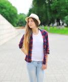 Retrato da mulher bonita com cabelo longo imagem de stock