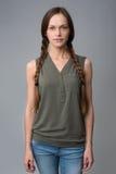 Retrato da mulher bonita com tranças Fotos de Stock Royalty Free
