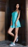 Retrato da mulher bonita nova ao ar livre Fotografia de Stock Royalty Free